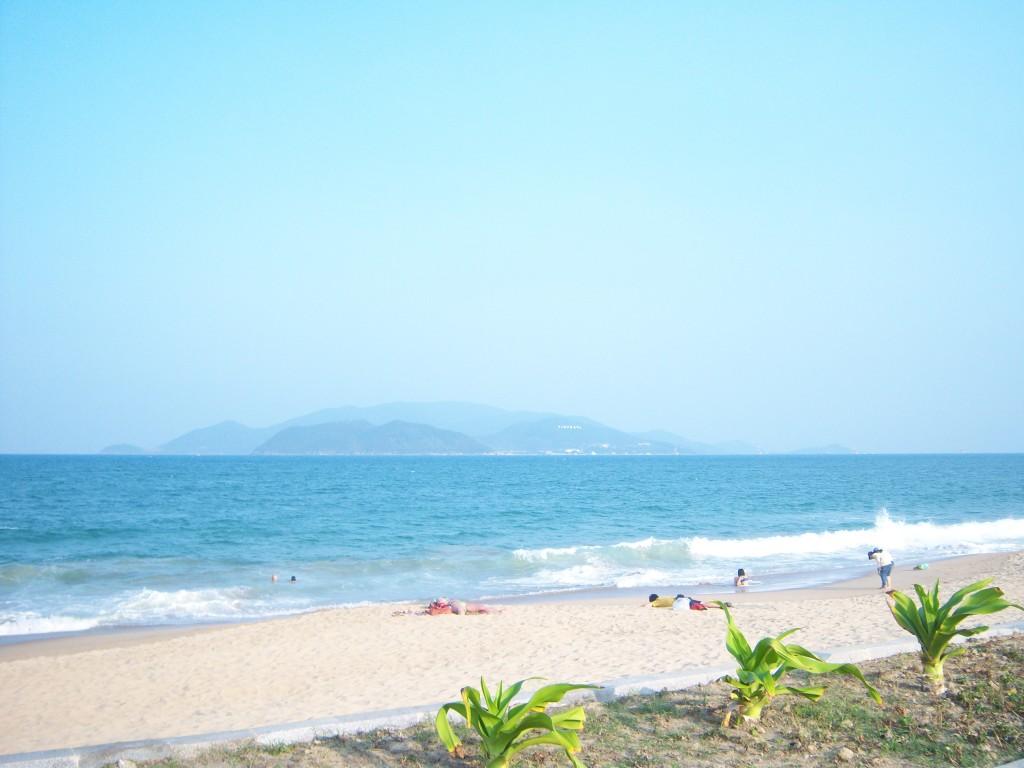 nha tran beach